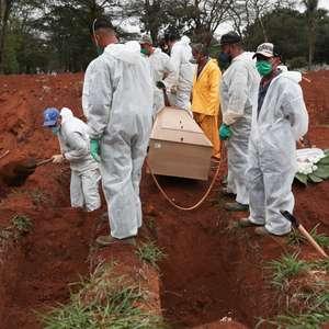 Brasil registra mais 335 mortes e 14 mil casos de covid-19
