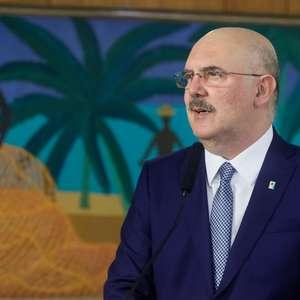 Ministro cita economia ao falar de abstenção recorde do Enem