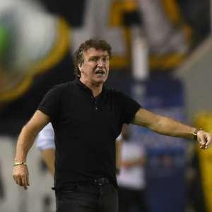 Cuca desconsidera desgaste em empate do Santos e afirma: ...