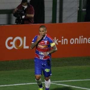 Wellington Paulista é o 15º jogador da história a marca ...