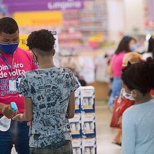 Vendas no varejo do Brasil têm queda inesperada em novembro