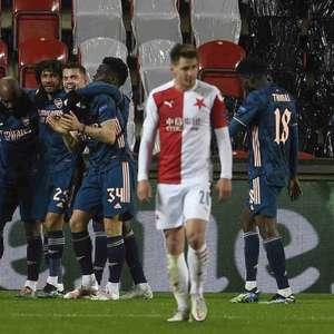 Arsenal goleia o Slavia Praga e vai à semi da Liga Europa