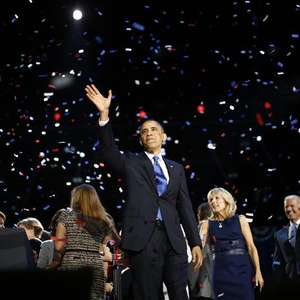 Obama chora em vídeo ao agradecer equipe da campanha de ...