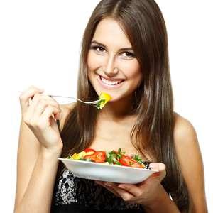 Alimentos leves e dieta detox eliminam excessos da Páscoa