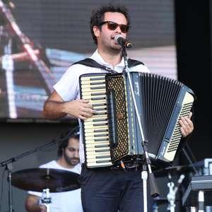 Marcelo Jeneci é a atração de hoje do Terra Live Music