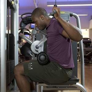 Saiba como não errar nos exercícios de musculação