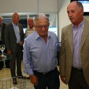 Em busca de técnico, Koff viaja a SP e se reúne com Felipão