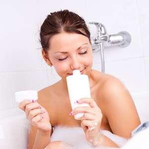 Hidratantes de banho hidratam e protegem a pele no inverno