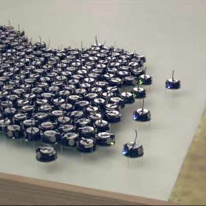 Enxame de mil robôs 'trabalha unido' em teste científico