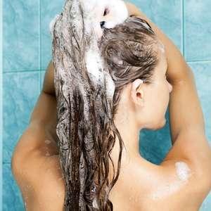 Oleoso, misto ou seco: saiba como lavar cada tipo de cabelo