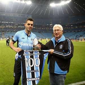 Grêmio confirma venda de capitão Rhodolfo ao Besiktas