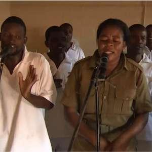 Banda de prisão africana disputa prêmio com Gilberto Gil