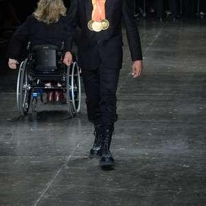 """""""Eficiência na pista e na passarela"""", diz atleta paralímpico"""