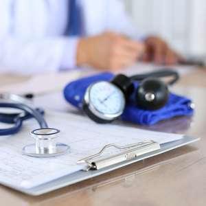 RQE para médicos que se divulgam especialistas é obrigatório