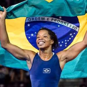 Em busca de ouro inédito, lutadora carioca tenta repetir ...