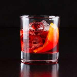 Receita de drinks: aprenda a preparar um coquetel Negroni