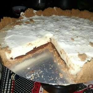 Torta de leite em pó com creme de avelã