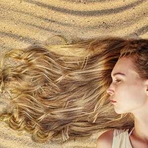 Veja dicas para clarear o cabelo durante o verão