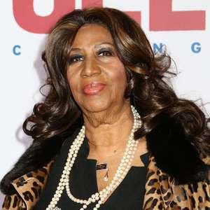 Aretha Franklin se emociona ao virar nome de rua em Detroit