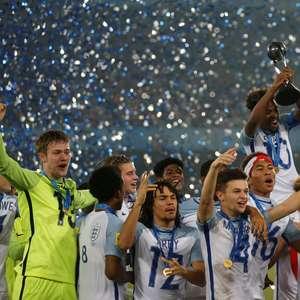 Inglaterra goleia a Espanha e conquista o Mundial sub-17