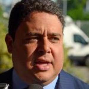 Presidente da OAB rebate após Bolsonaro pedir fim do exame