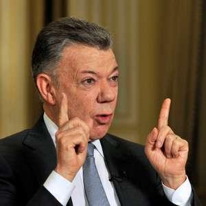 """Santos: """"O que Bolsonaro faz prejudica América Latina toda"""""""