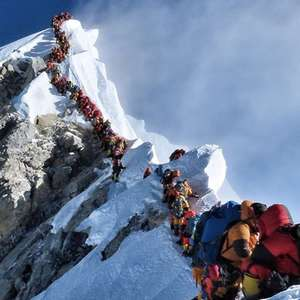 Mais quatro alpinistas morrem no Monte Everest