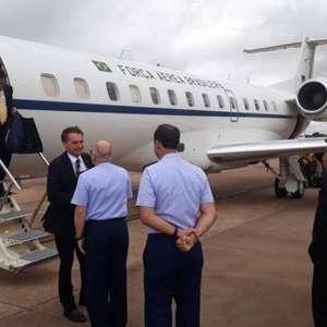 Avião de Bolsonaro arremete por conta de fumaça de queimadas