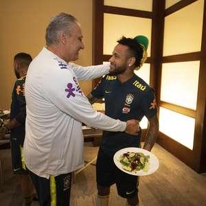 Tite elogia Neymar de novo sem citar comportamento do craque