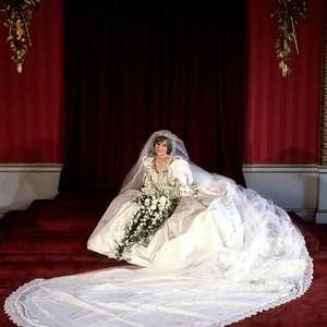 A história da moda em 'The Crown' e o 'Gambito da Rainha'