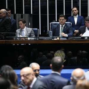 Governo recua e Senado conclui votação da nova Previdência