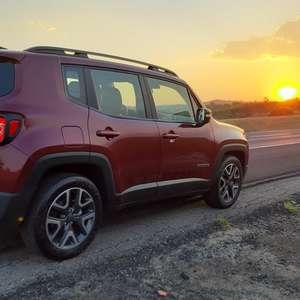 Jeep Renegade abre boa vantagem sobre Volkswagen T-Cross