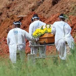 Com 662 mortes em 24h, Brasil se aproxima dos 155 mil óbitos