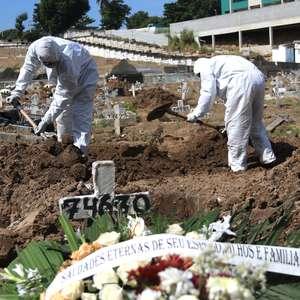 Brasil supera mil mortes pelo 4º dia e bate novo recorde
