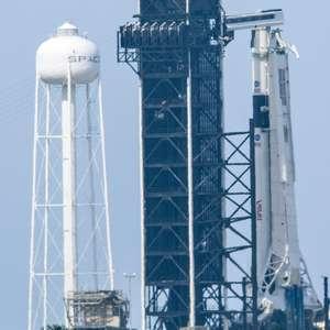Lançamento de voo tripulado da Space X é adiado pelo clima