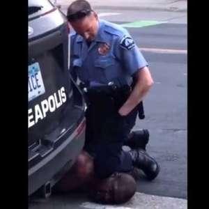 Policial envolvido em morte de homem negro nos EUA é detido