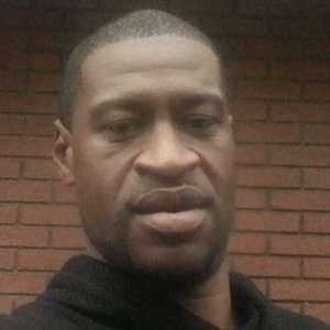 Caso George Floyd: quem era o americano negro morto sob custódia (e o que se sabe sobre o policial branco que o matou)