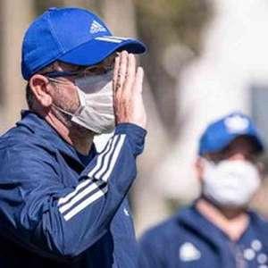Para Enderson Moreira, crise no Cruzeiro é uma oportunidade