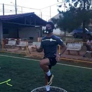 Com o contrato rescindido, Abuda treina em casa e espera ...