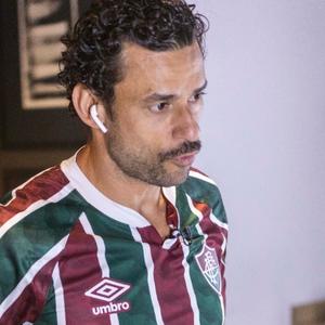 Fred é apresentado no Fluminense e faz campanha por Thiago Silva
