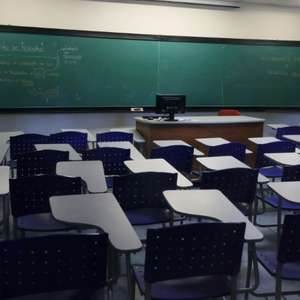 Testagem e rastreamento de casos permitem reabrir escolas