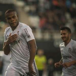 Botafogo aceita proposta e Vinícius Tanque fica no Cartagena