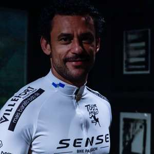 Fred irá de BH ao Rio de bicicleta e doará cestas básicas