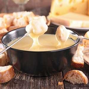 Receitas de fondue de queijo: veja opções cremosas e cheias de sabor