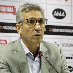 Campello sai em defesa da volta aos treinos no Vasco após testes positivos