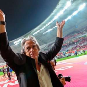 Flamengo peca fora de campo, mas acerta ao manter Jesus