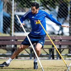 Perto de marca histórica no Cruzeiro, Ariel Cabral vira 'parça' de Angulo
