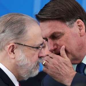 Procurador-geral Augusto Aras esteve com presidente mais que o dobro de vezes de antecessora