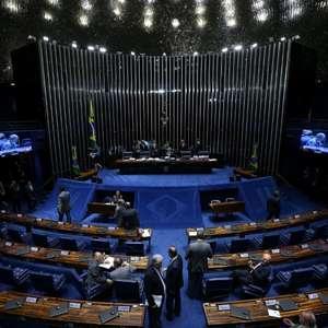 Senado aprova congelamento de medicamentos e planos de saúde