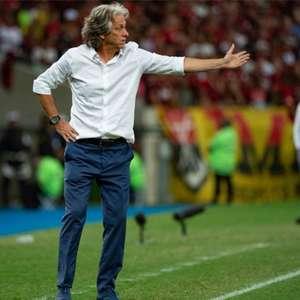 Comentarista avalia decisão do Flamengo em renovar com Jorge Jesus: 'Não sei se vai dar certo'